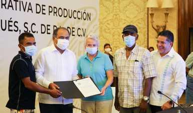 Encabeza secretaria de Gobernación entrega de concesión a Unión de Pescadores y Buceadores de Puerto Marqués, en Acapulco, Guerrero