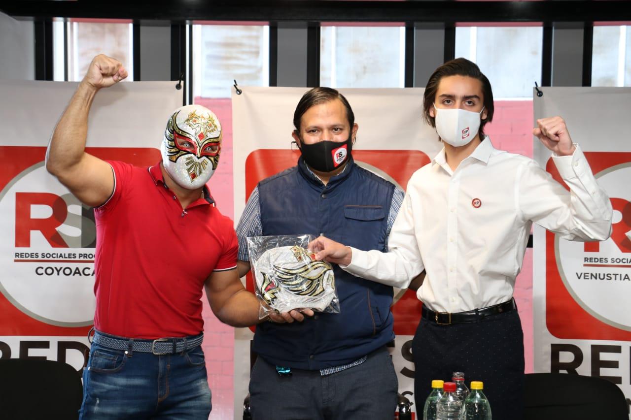 Michel Vázquez y Carístico toman protesta a juveniles progresistas CDMX