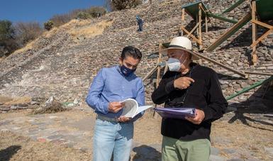 Inician trabajos de limpieza en la cara sur de la pirámide de El Cerrito, en Querétaro