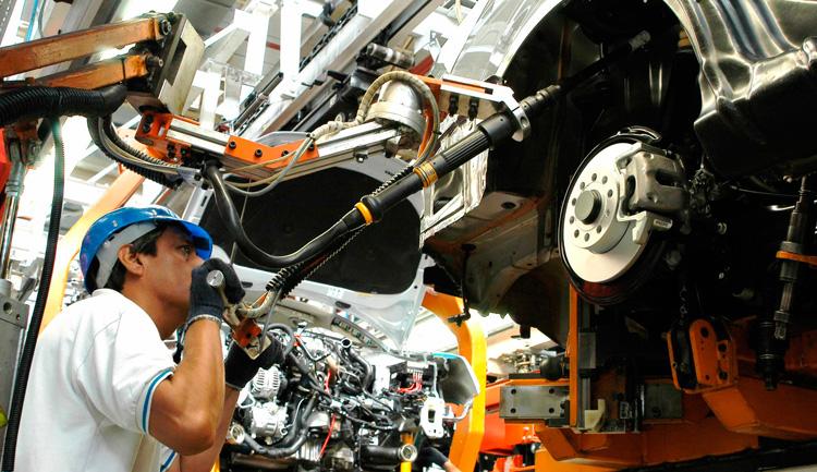 La industria automotriz, en crisis con esperanza de mejorar