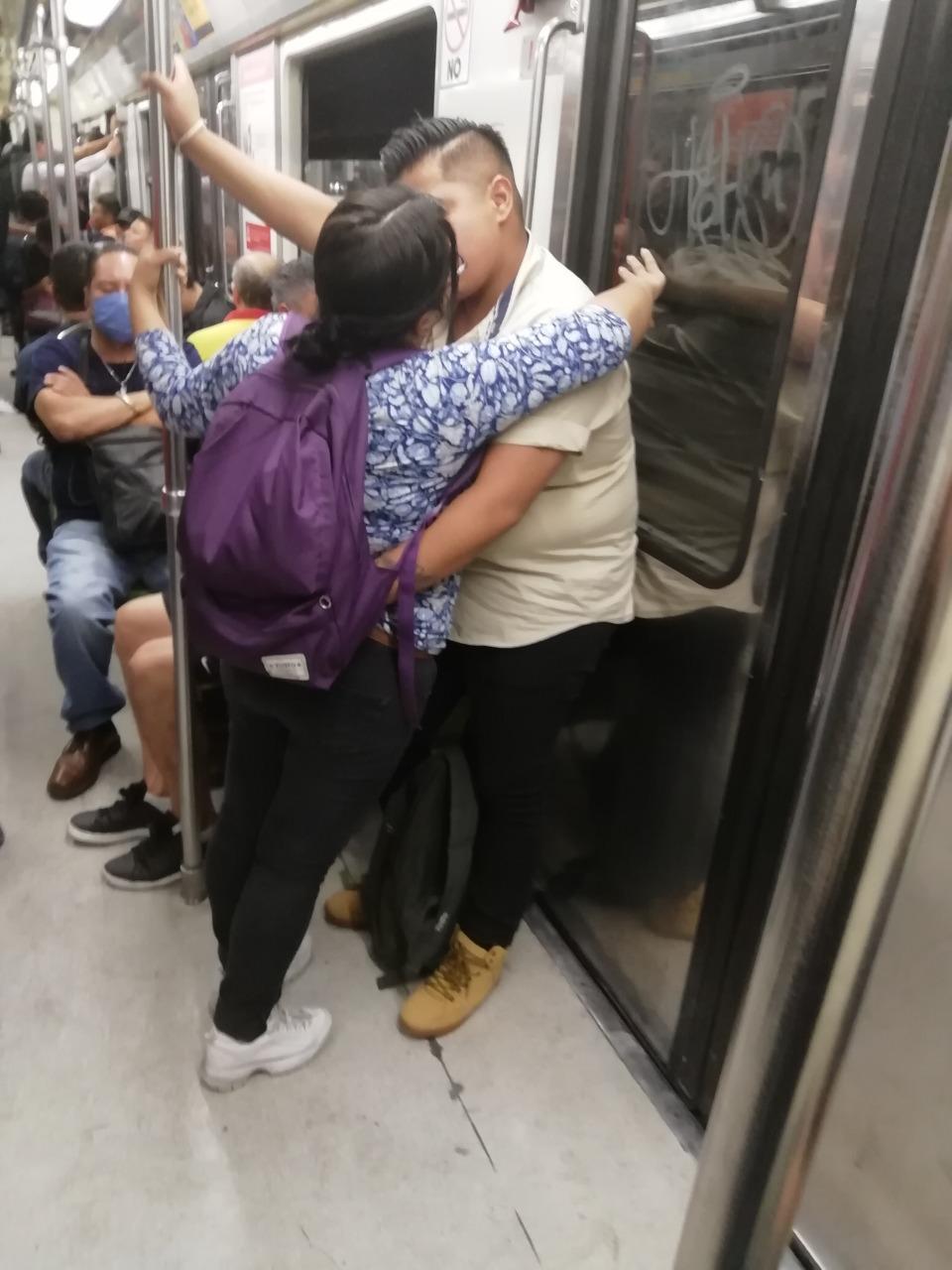 Historias en el metro - Amor en naranja
