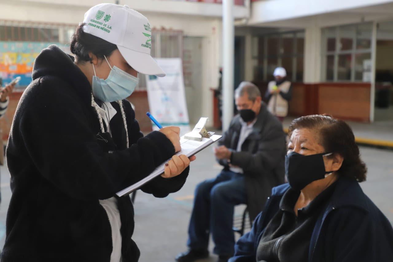 Vacunas vs COVID-19 solo se aplican a personas adultas mayores de Cuajimalpa, Magdalena Contreras y Milpa Alta: Gobierno capitalino