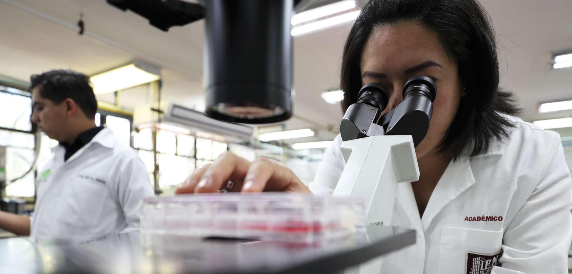 Especialista del IPN recomienda resguardo de adultos mayores vacunados contra SARS-CoV-2
