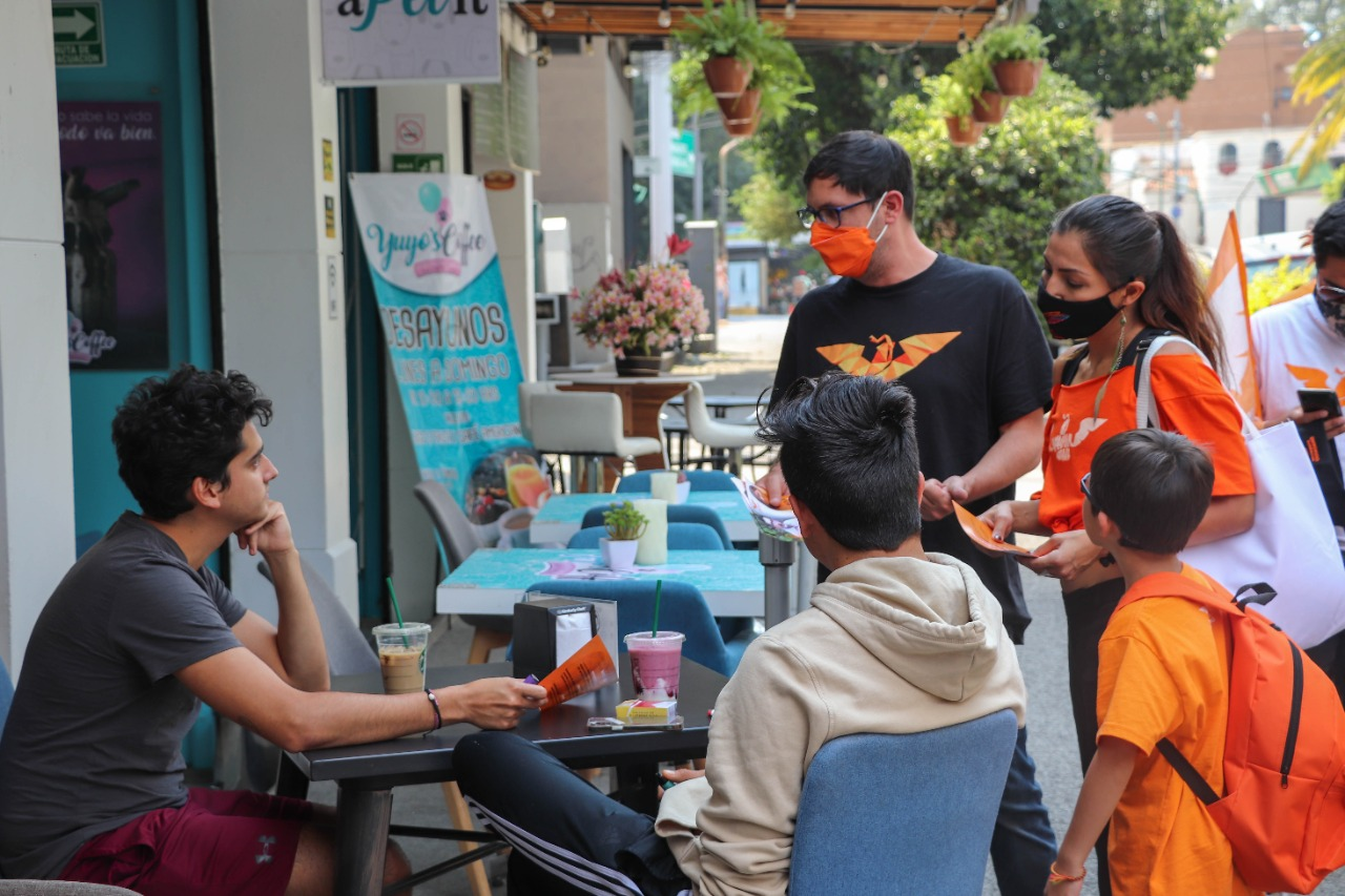 Impiden acceso a candidatos de MC en mercado de alcaldía Benito Juárez