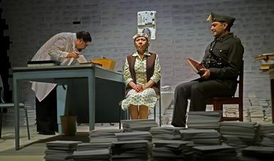 Regresa El diccionario a la Sala Héctor Mendoza con la Compañía Nacional de Teatro