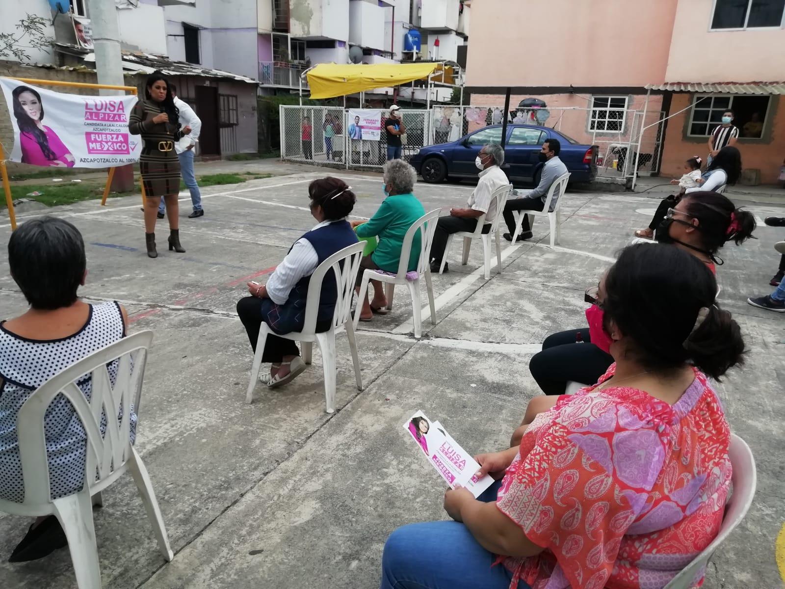 Vecinos de unidades habitacionales piden mayor seguridad a Luisa Alpízar