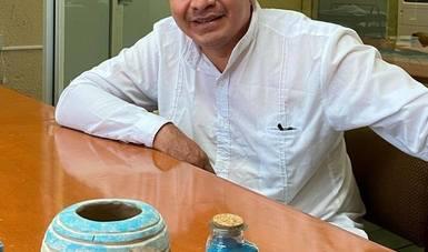 Luis May Ku, el ceramista yucateco que recrea el azul maya, el pigmento prehispánico icónico de la región