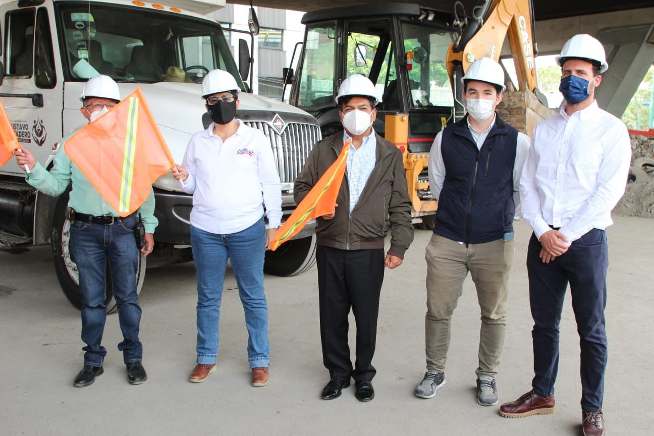 Gustavo A. Madero fabricará banquetas con material reciclado