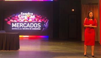 Sandra Cuevas presenta ante comerciantes programa de renovación de mercados