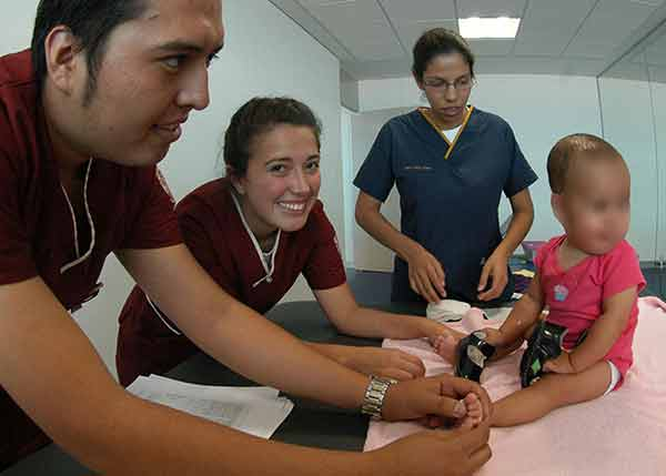 Ofrece UNAM terapia para disminuir secuelas en bebés con riesgo de daño cerebral