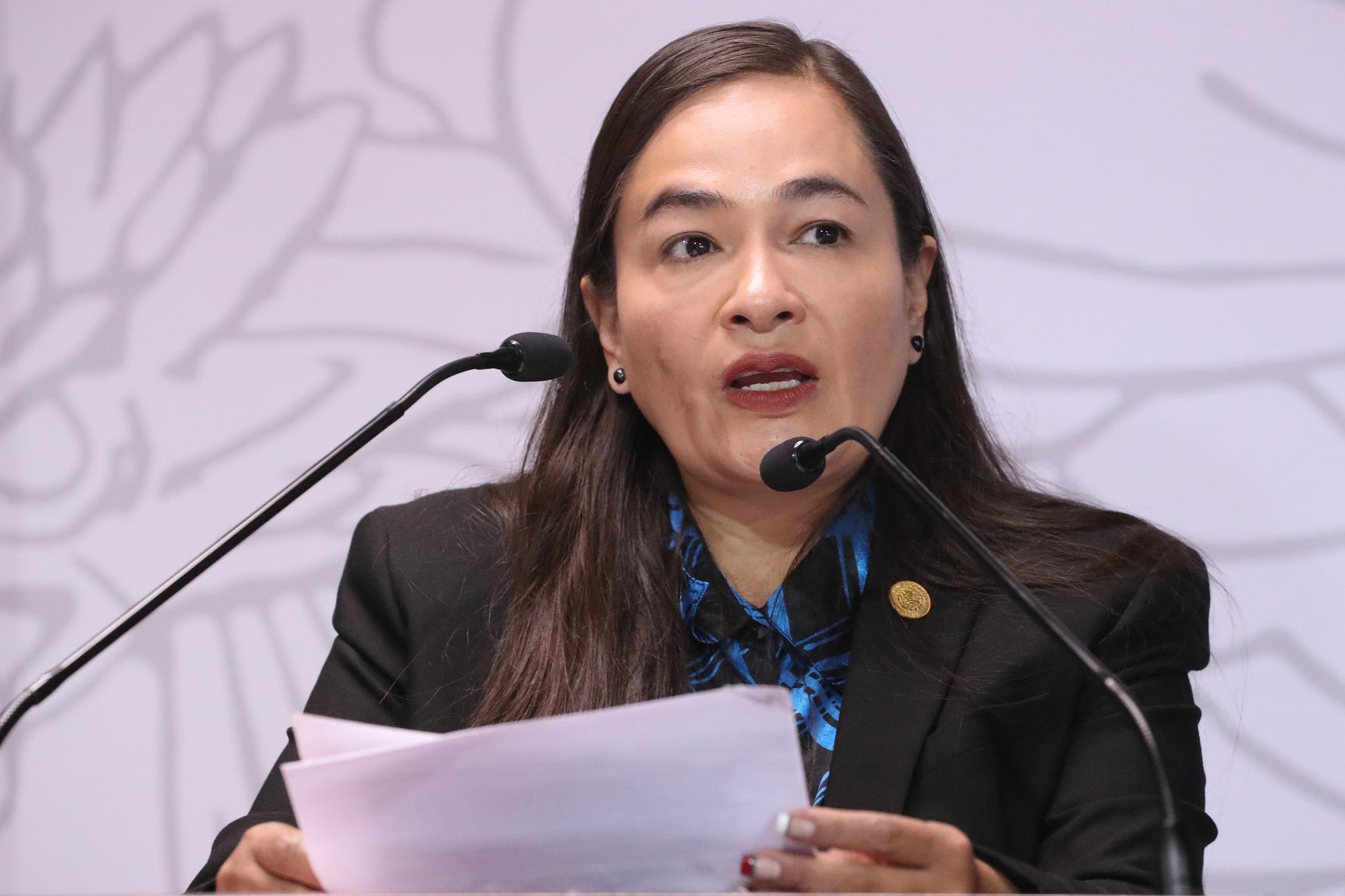 Urge Verónica Juárez a autoridades de salud a iniciar una campaña nacional de vacunación para niñas y niños