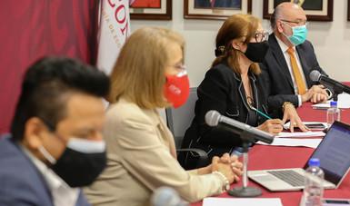 Mensajes iniciales de la conferencia de prensa virtual de la secretaria de Economía y el subsecretario de Industria y Comercio...