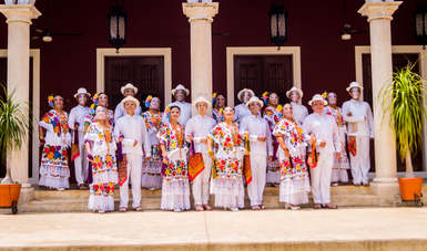 La Compañía de Danza Folklórica Kaambal celebra sus raíces yucatecas