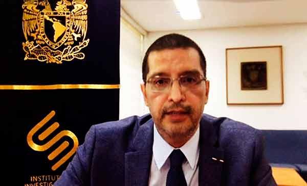 Diálogo y consulta permanentes para fortalecer al IIS, ofrece Miguel Armando López Leyva