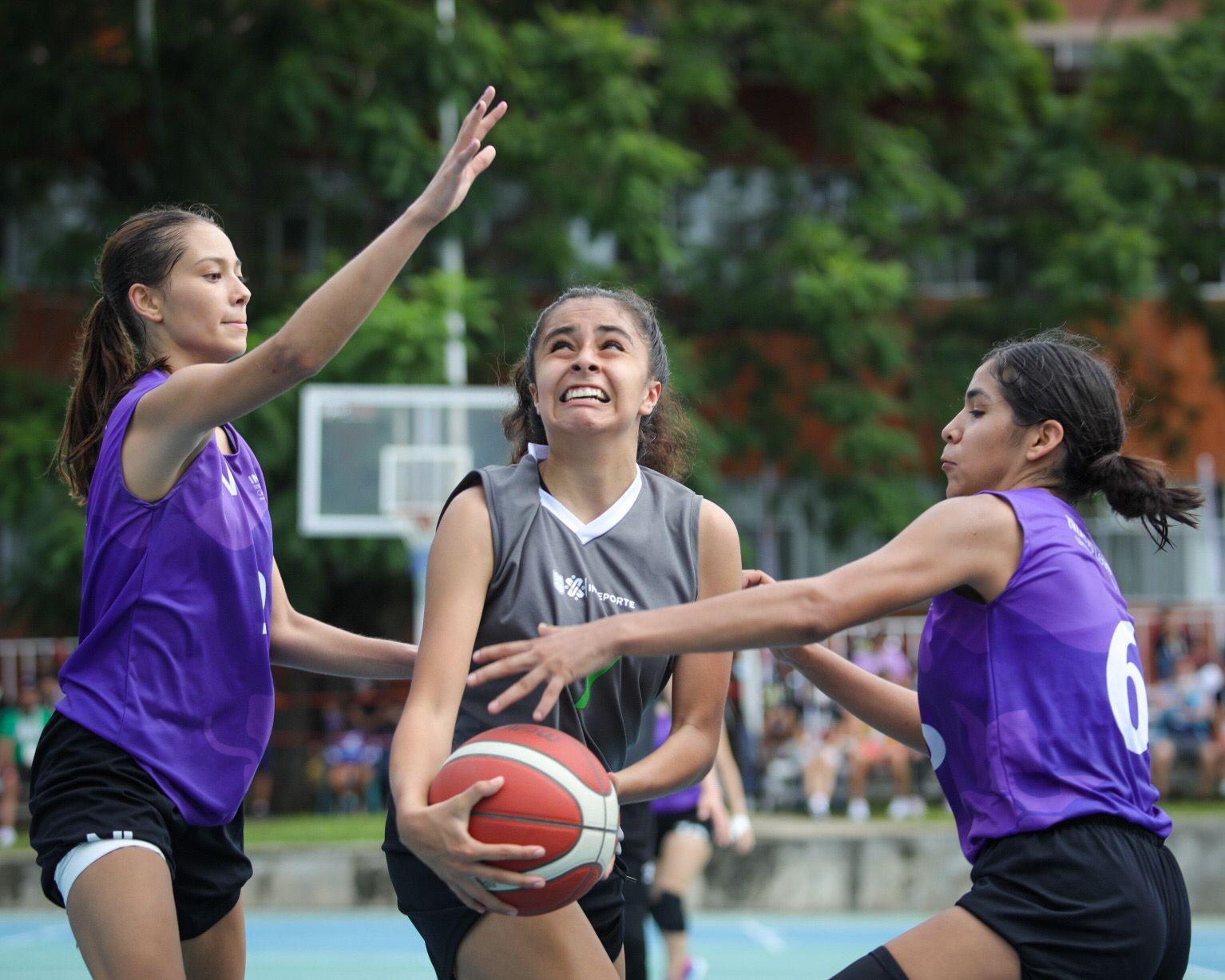 Plata y bronce para las selecciones de baloncesto de la Ciudad de México