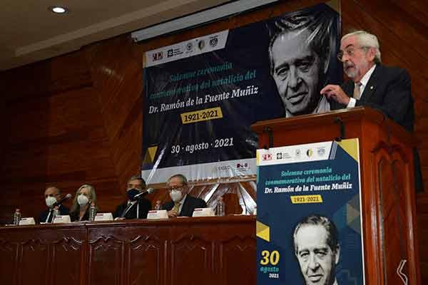 Ramón de la Fuente Muñiz fue un humanista, ilustre universitario y pilar de la psiquiatría mexicana: Graue