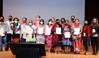 Premian a las y los ganadores del IX Concurso Nacional de Textiles y Rebozo 2021