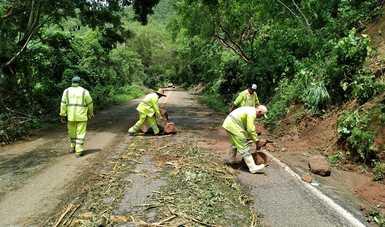 SCT atiende de inmediato afectaciones en carreteras libres de peaje en Michoacán