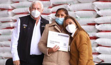Arrancan secretario de Agricultura y gobernadora de Tlaxcala programa de fertilizantes en la entidad