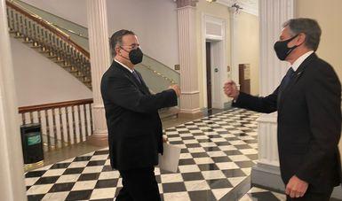 El canciller Ebrard entrega en Washington carta del presidente López Obrador al presidente Biden