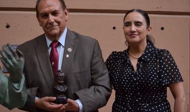 Recibe cronista de Tijuana el Premio Rubén Vizcaíno 2021 Valencia