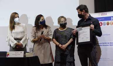 Hugo Roca Joglar recibe el Premio Bellas Artes de Novela José Rubén Romero 2021