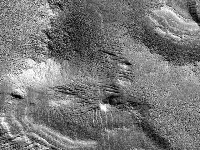 NASA comparte fotos de los relieves y dunas de Marte