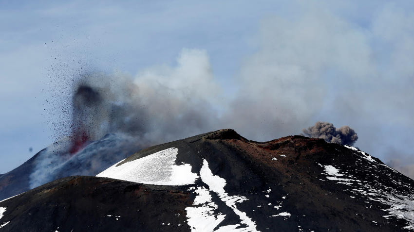 Erupción en el volcán Etna deja seis heridos