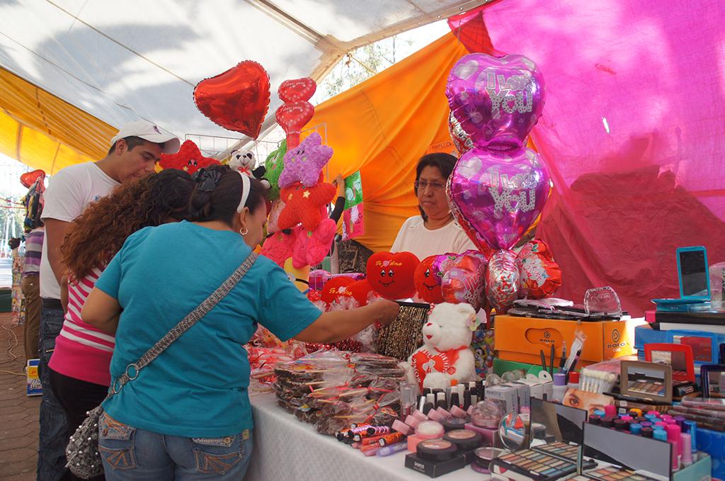 En Tláhuac promueven la actividad artesanal e invitan a callejoneada