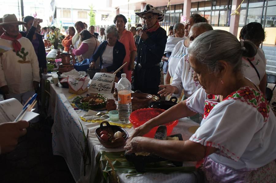 Implementan Concurso Culinario y torneo de Domino para los Grupos de la Tercera Edad