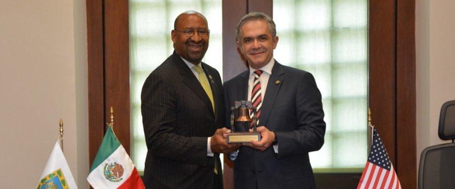 Recibe Jefe de Gobierno a Alcalde de Filadelfia de visita en México