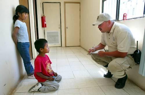 Garantizar los derechos de niñas y niños repatriados