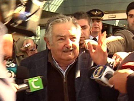 Mujica inauguró obras en Hospital de Young y apeló a pensar colectivamente,