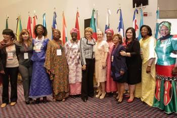 Internacional Socialista busca garantizar derechos de las mujeres