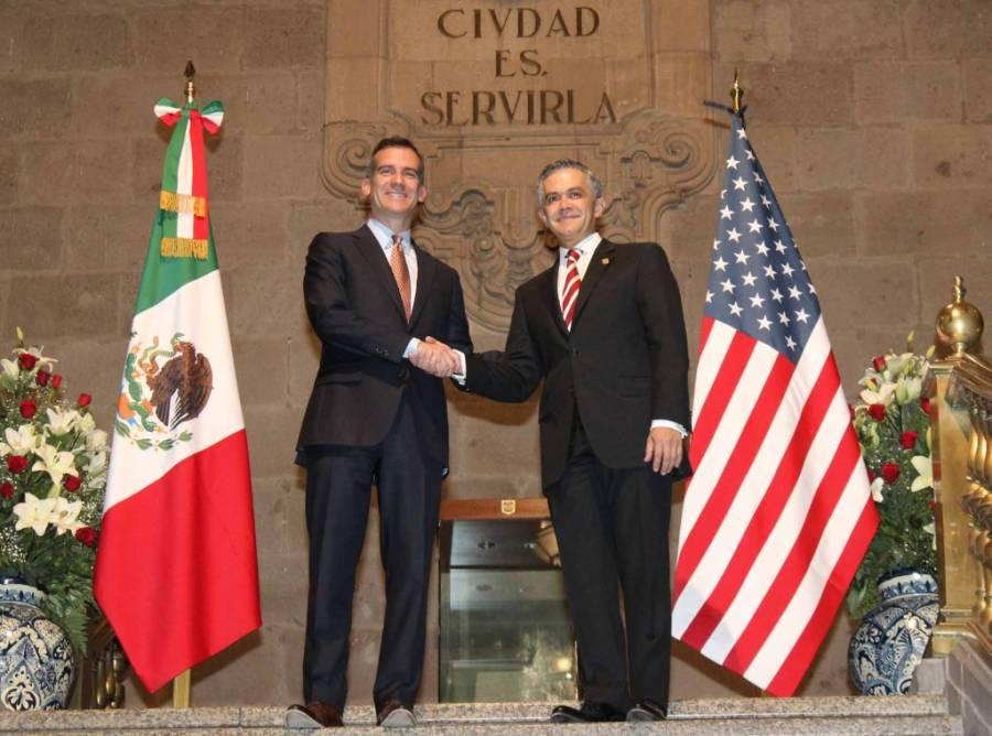 Nombra Mancera Huésped Distinguido a Alcalde de Los Ángeles