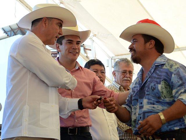 Impulsan SAGARPA y gobierno de Campeche producción e industrialización de Palma de Aceite en favor del sector social