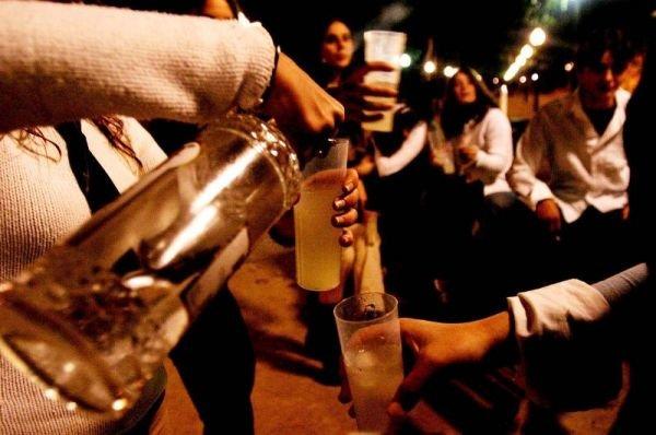 Alcohol mata más jóvenes que todas las drogas juntas