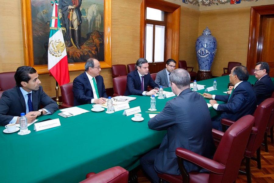 Acuerdan secretario de Educación y gobernador de Guerrero acciones de seguridad para aplicar evaluaciones