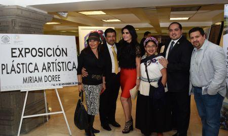Inauguran Exposición Plástica Artística Miriam Doreé